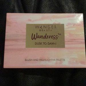 Wander beauty blush/highlighter palette